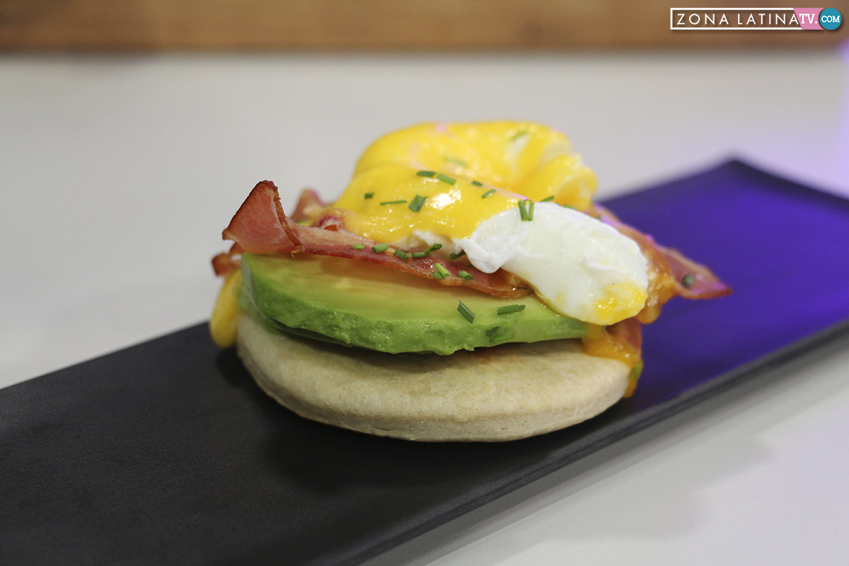 Huevos benedictinos en churrascas